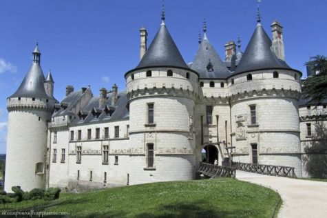 Once the stomping ground of French royalty, the Loire Valley in France is known for its wine, impressive châteaux (castles), and amazing gardens.