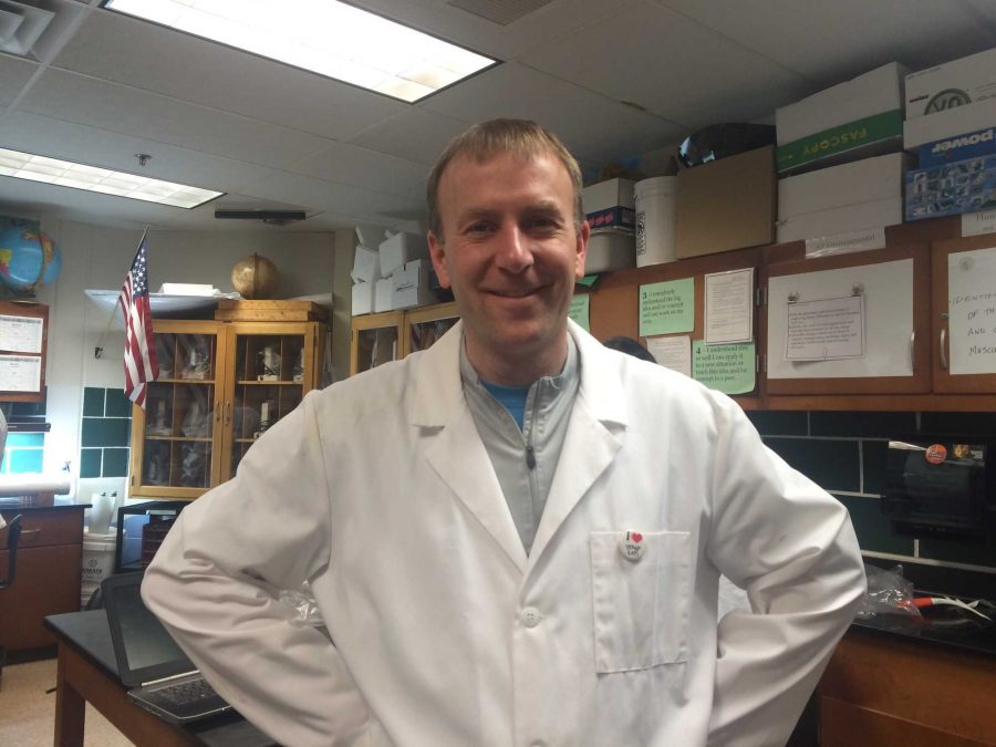 Chad Scholten Brings APES alive for Students
