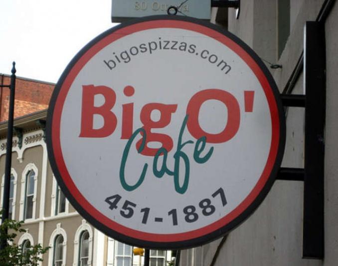 Big O Cafe: GRs Finest Pizza