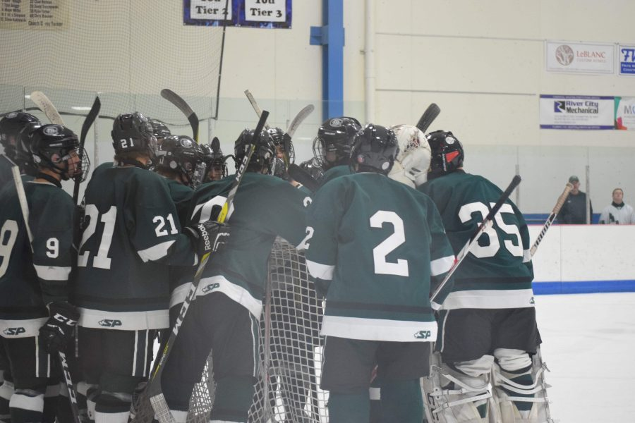 FHC+hockey+defeats+Reeths+Puffer+and+wins+Conference+Championship