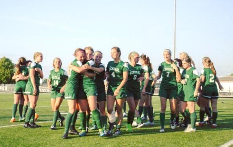 Girls+varsity+soccer+primed+for+a+highly+anticipated+season