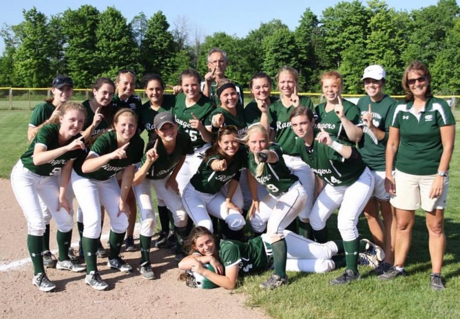 FHC+Softball%3A+Searching+for+new+success