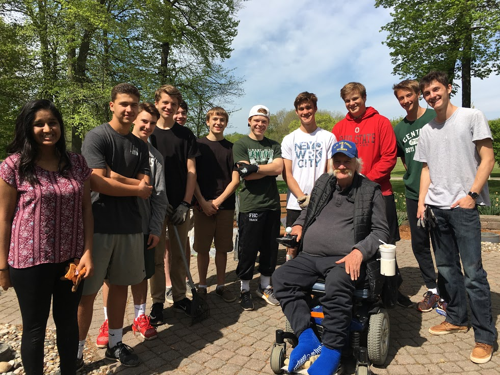 Steve Labenz gives students the opportunity to visit GR Veterans Home