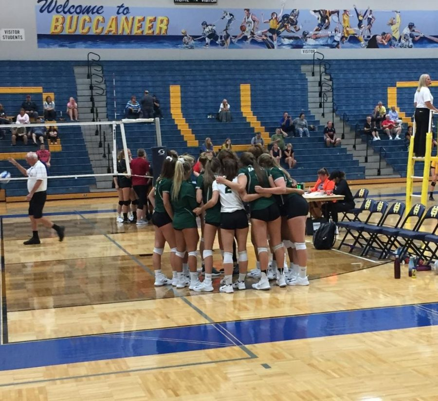 Varsity+volleyballs+struggles+continue+in+Grand+Haven+tournament