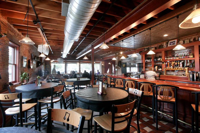 Restaurant+One+Trick+Pony+amazes+with+its+jazzy+vibe