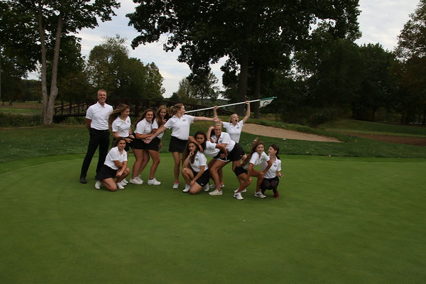 Girls JV golf finishes off an important stepping-stone season