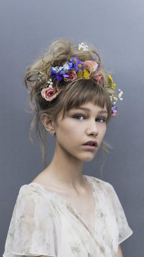 Grace+VanderWaal%27s+first+album+gracefully+breaks+the+stereotypes+of+pop+music
