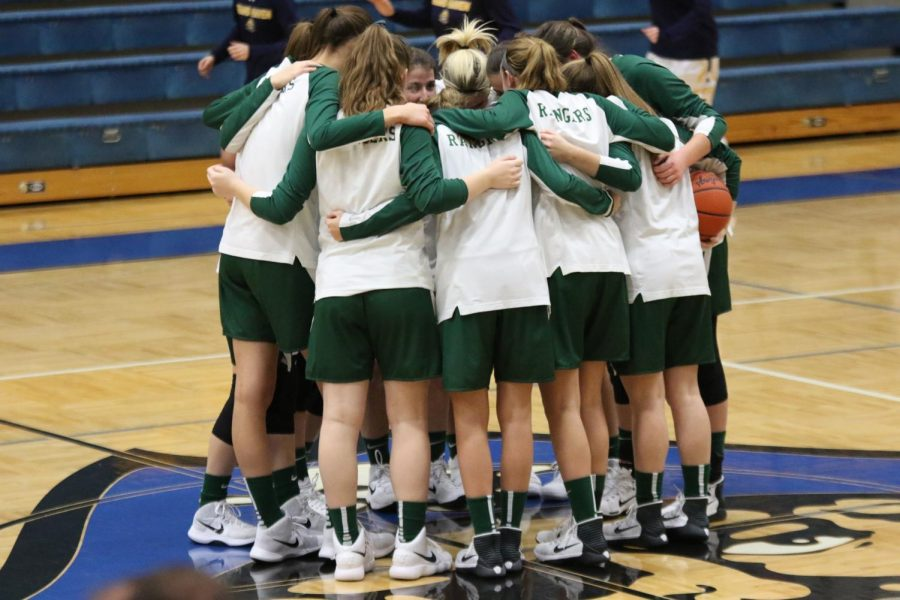 Girls varsity basketball suffers another tough loss to Grand Haven