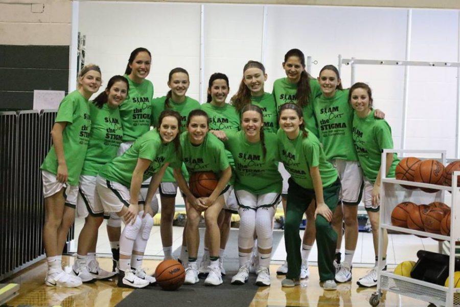 Girls+varsity+basketball+falls+to+Lowell+50-32