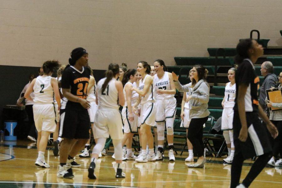 Girls+varsity+basketball+picks+up+convincing+59-47+victory+over+Ottawa+Hills