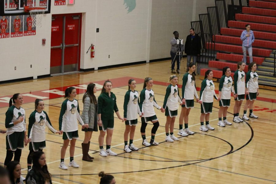 Girls+varsity+basketball+preview%3A+Lowell+Red+Arrows