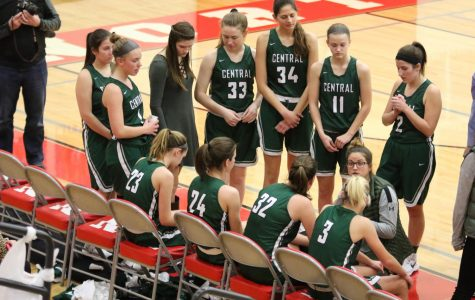 Girls varsity basketball loses heartbreaker to Northview 43-41
