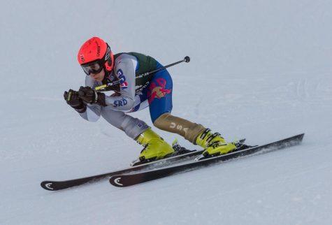Boys varsity ski places 6th at Grand Slalom races on Tuesday