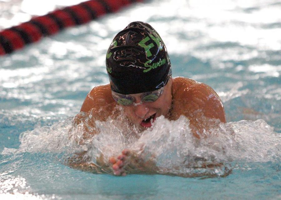 Boys+swim+and+dive+has+a+successful+night%2C+beats+Jenison+110-71