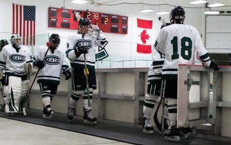 Boys Varsity Hockey falls short to East Kentwood 2-1 on a late goal