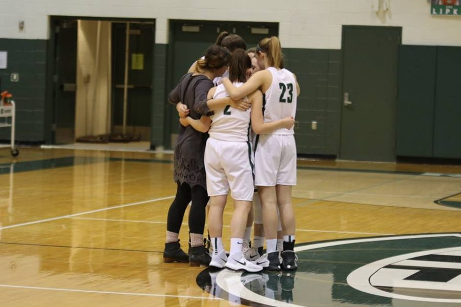 Girls+varsity+basketball+preview%3A+Cedar+Springs+Red+Hawks