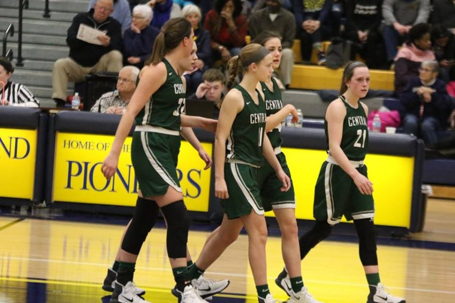Girls+varsity+basketball+district+semi+final+preview%3A+EGR+Pioneers