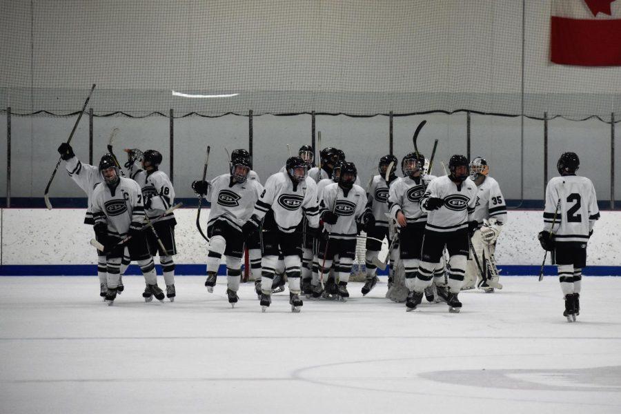 Hockey defeats East Kentwood 4-2 in regular season finale