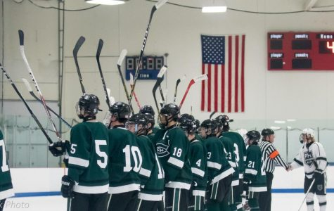 Varsity hockey picks up third consecutive win against Rockford 5-2
