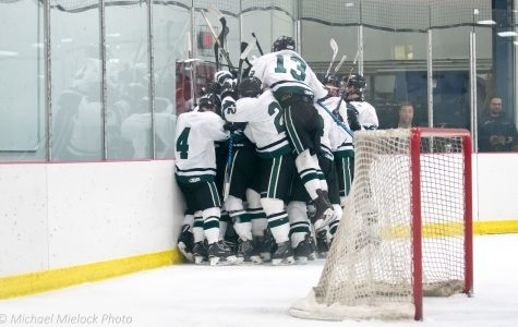 Varsity Hockey dominates Rockford 5-1 to continue their winning streak