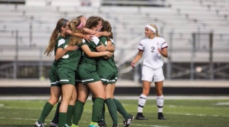 Girls varsity soccer looks to defend state championship title this season