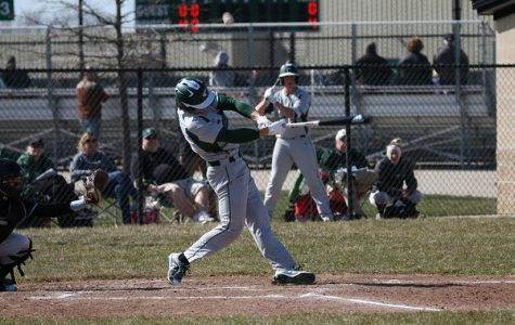 Varsity baseball splits double header with Northview