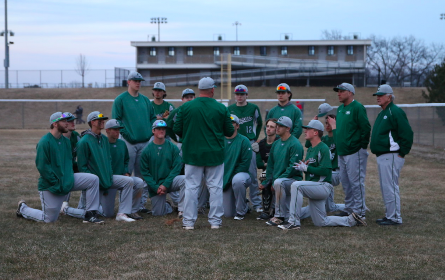 Varsity+baseball%27s+offense+explodes+in+two+wins+over+Greenville