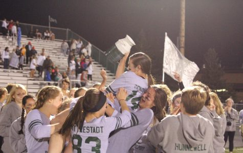 FHC Powderpuff game ends in controversial senior win