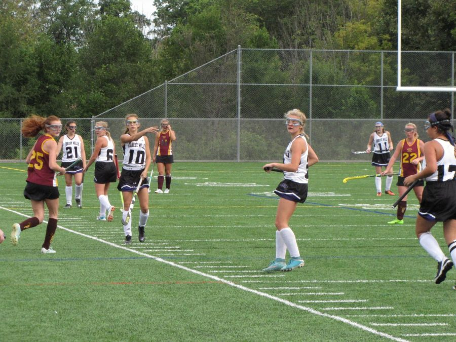 Girls+varsity+field+hockey+comes+out+on+top+of+Mercy+High+1-0