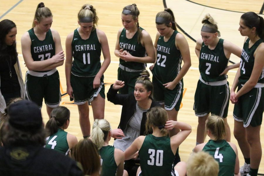 Girls+varsity+basketball+takes+down+NorthPointe+Christian+56-44+in+first+game+of+Holiday+Tournament