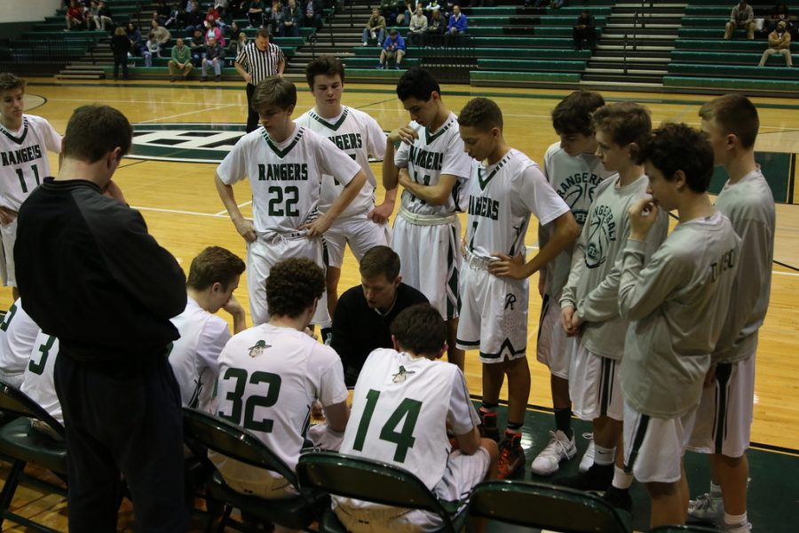 Boys+JV+basketball+goes+1-1+against+East+Kentwood+and+Traverse+City+Central