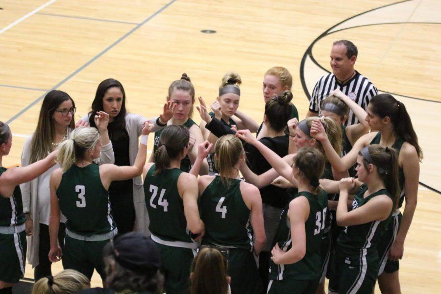 Girls+varsity+basketball+hangs+on+to+beat+Ottawa+Hills+60-46