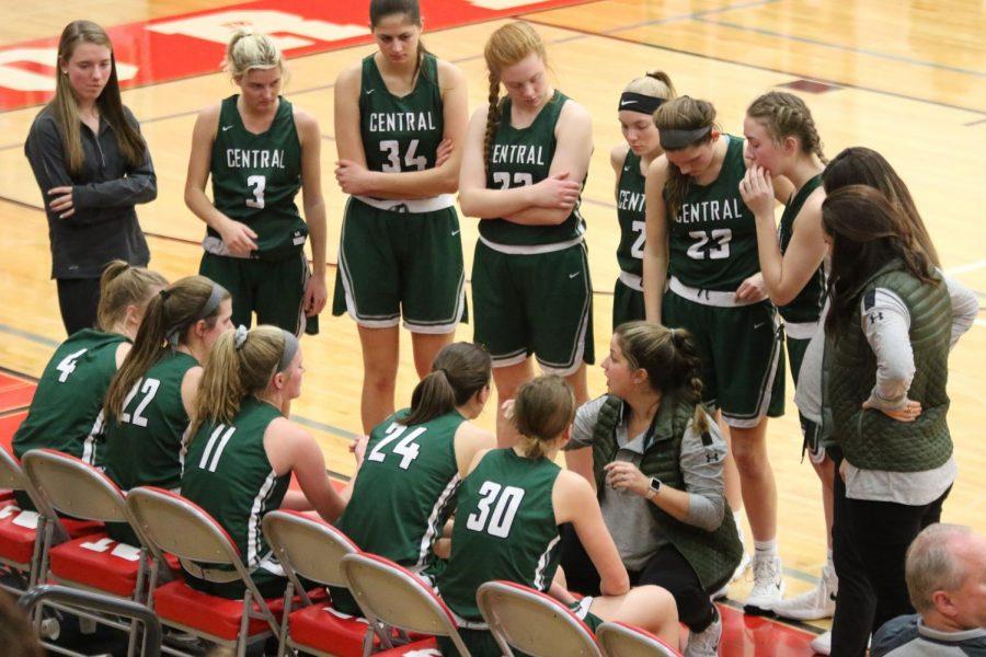 Girls varsity basketball dominates in District-opener