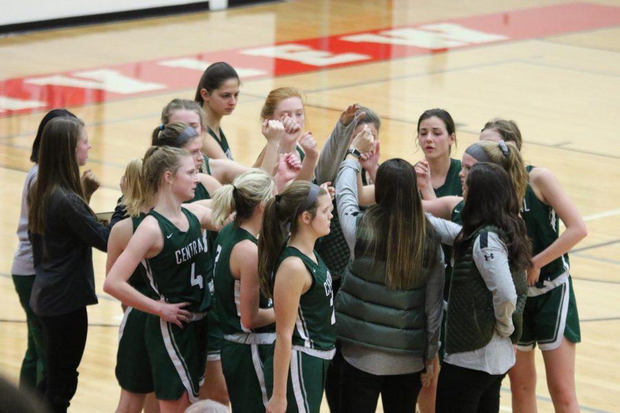 Girls+varsity+basketball+falls+to+Northview+48-39+in+overtime