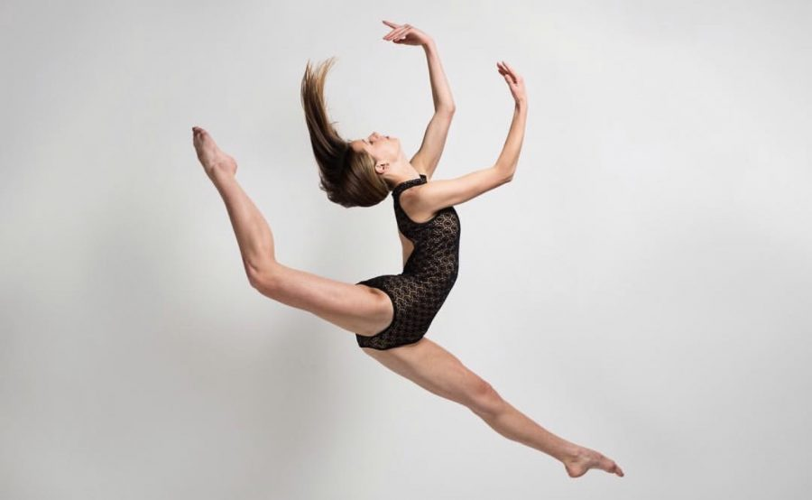 Junior+Joelie+Havey+continues+to+give+dance+her+all