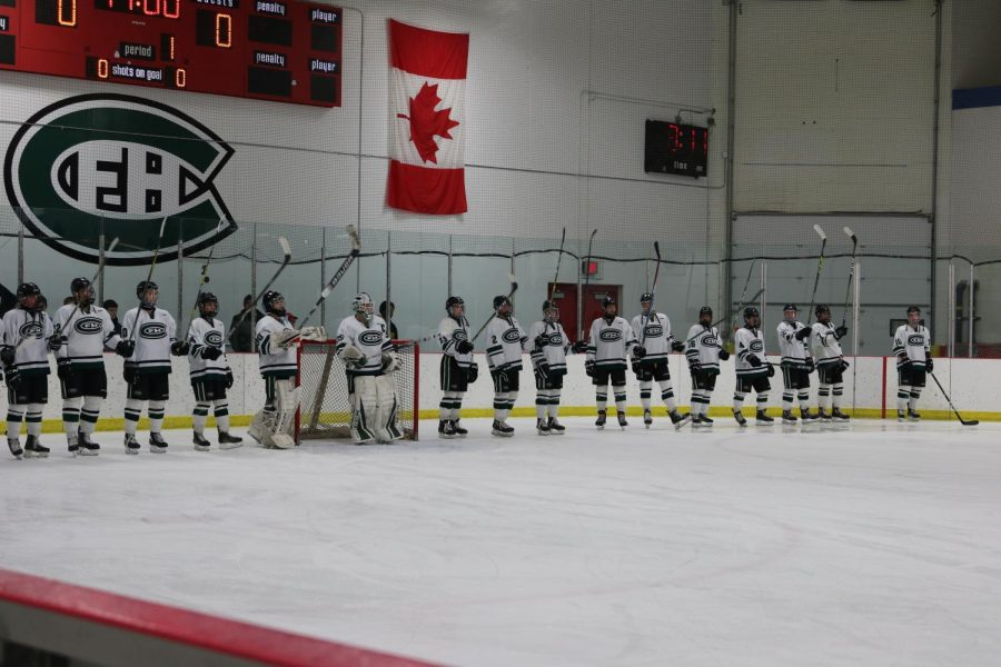 Hockey+loses+3-1+in+hard-fought+battle+against+crosstown+rival+FHNE