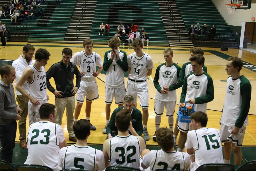 Boys varsity basketball finishes up-and-down season at 12-8