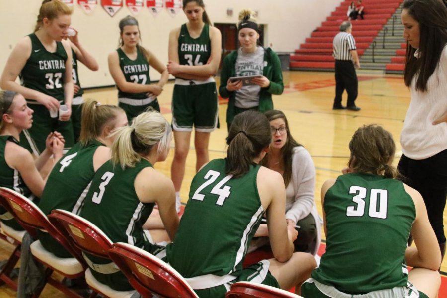 Girls varsity basketball pulls out win over Cedar Springs 40-31