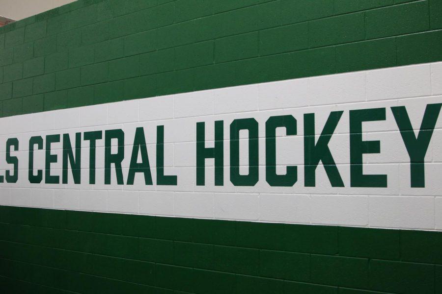 Hockey wins OT thriller 3-2 over Ann Arbor Skyline in Public School Showcase