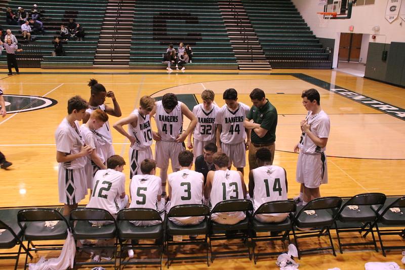 Boys freshman basketball fights through adversity all season to finish 15-2