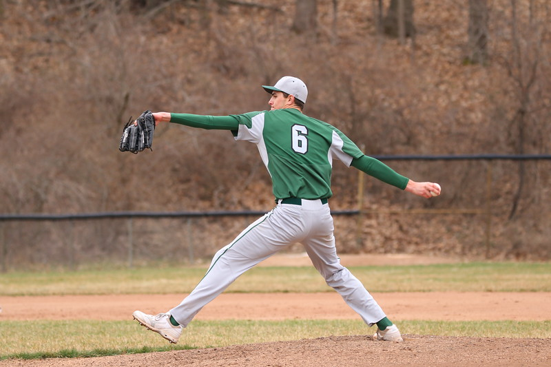 Varsity baseball splits doubleheader with Cedar Springs