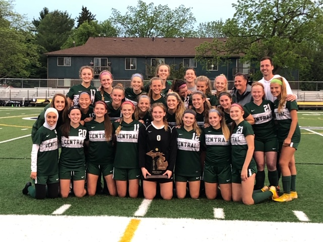 Girls+varsity+soccer+defeats+Okemos+2-0+to+claim+second+District+title+in+three+years