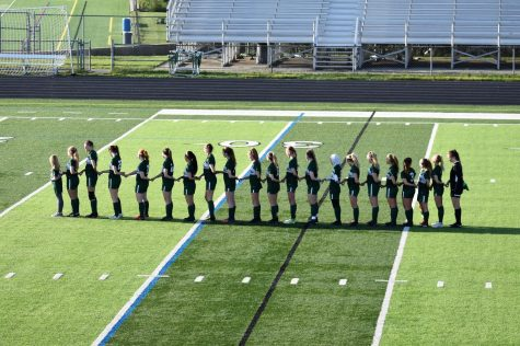 Girls varsity soccer wins defensive slugfest against Grand Ledge 1-0 in district opener