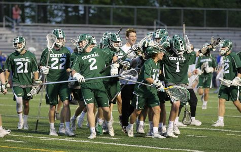 Boys varsity lacrosse advances to State semifinals with dominating 19-4 win over Warren De La Salle
