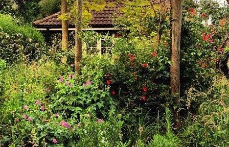Inside the Garden: a splintering sonnet