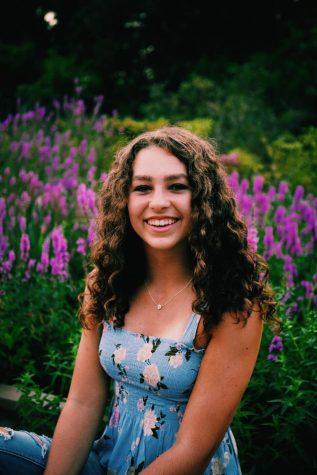 Photo of Lydia VanDeRiet