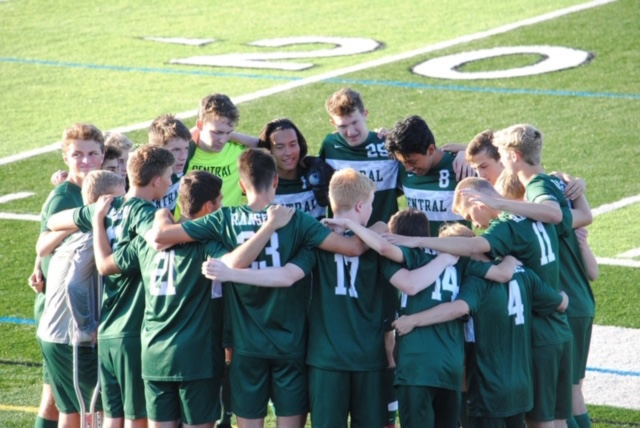 Boys varsity soccer wins sixth conference game en route to 2-0 win over Ottawa Hills