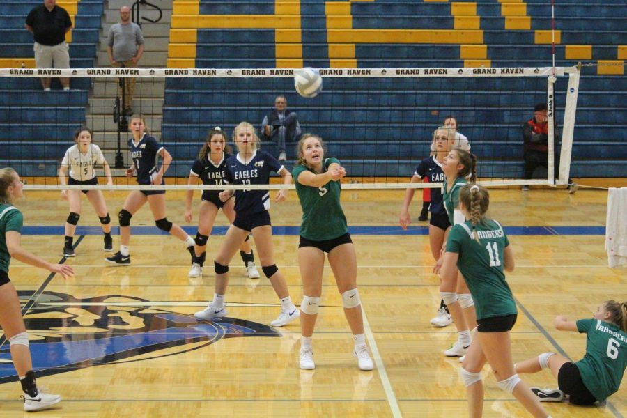 Freshman+volleyball+continues+to+display+its+dominance+in+conference+play+at+the+OK+White+Tri