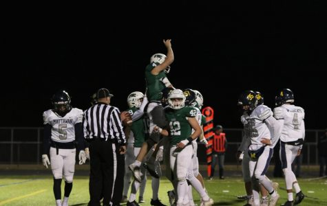 Varsity football secures third District final appearance in four years with 34-14 win over Mattawan