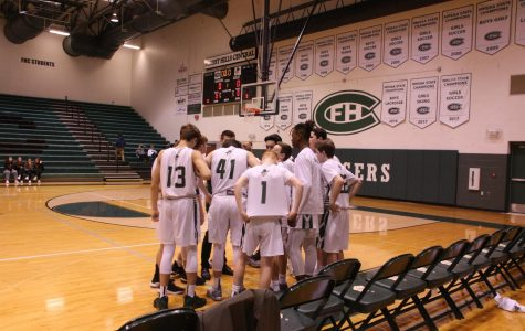 Boys freshman basketball narrowly falls to East Kentwood